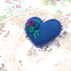 'Heart-Felt' - Little felt and button brooch - hand embroidered - Cobalt Blue