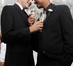 Un couple homosexuel vivant au Maroc, autorisé à se marier en France
