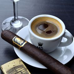 Undercrown cigar and coffee for breakfast Cigars And Whiskey, Good Cigars, Pipes And Cigars, Cuban Cigars, Cigar Gifts, Cuban Coffee, Cigar Art, Cigar Club, Cigar Humidor