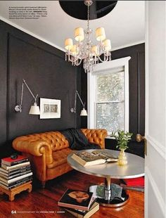 Tips That Help You Get The Best Leather Sofa Deal. Leather sofas and leather couch sets are available in a diversity of colors and styles. A leather couch is the ideal way to improve a space's design and th Style At Home, Veranda Interiors, Masculine Room, Masculine Office, Masculine Style, Dark Walls, Grey Walls, Charcoal Walls, Brown Walls