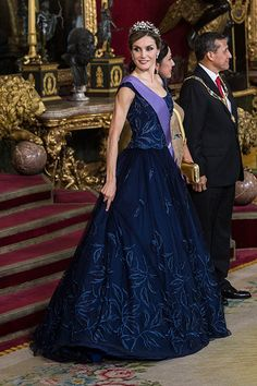 Charlotte Casiraghi, Duchess Kate and Queen Letizia: A gallery of the week's best royal style - Foto 7