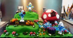 smurfs cake   Flickr - Photo Sharing!