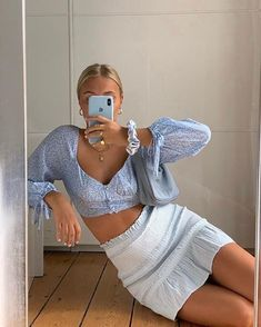 Aesthetic Fashion, Aesthetic Clothes, Look Fashion, Fashion Women, Aesthetic Outfit, Blue Aesthetic, Film Fashion, Classic Fashion, Blue Fashion