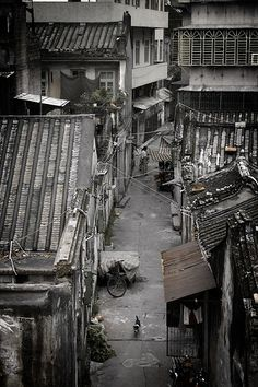 """shelter   Mark Hobbs china sixty4 A narrow """"nong tang"""" (alley) between the crowded apartment buildings and """"hutongs"""" (traditional Chinese alley dwelling) in the Xiangqiao district"""