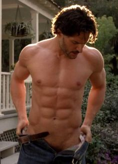 Joe Manganiello - this is why true blood is the best. Joe Manganiello Shirtless, Joe Manganiello True Blood, Serie True Blood, Gorgeous Men, Beautiful People, Chaning Tatum, Sup Girl, Magic Mike, Skinny
