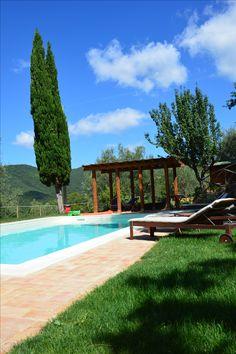 Villa Torraccia, a stylish furnished private villa in Tuoro sul Trasimeno, Umbria