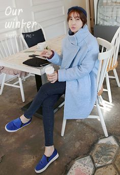 Miamasvin Funnel Neck CoatLet your style reflect your elegant personality with this funnel neck coat. This classic piece is perfect with a black turtleneck pullover, check skirt, black tights, and black ankle boots.- High funnel neck- Long sleeves- Drop shoulders- Loose fit- Welt pockets- Concealed snap button closure- Colors: Sky Blue, Ivory