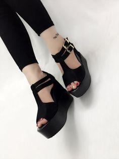 Mua giày nữ đẹp online ở đâu - Sandal cho mùa hè