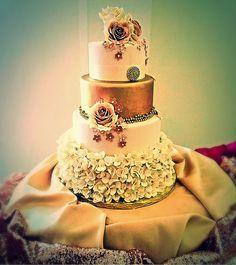 Gourmet Bakery, Carriage House, Wedding Cakes, Perfume Bottles, Sweet, Beauty, Wedding Gown Cakes, Candy, Wedding Cake