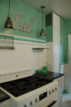 breath taking depression era kitchen in near mint condition craftsman kitchens pinterest vintage kitchen tile and depression: stand kitchen dsc