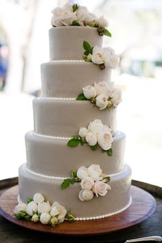 floral Brown Paper Design  Adriana Klas Photography, Cake decorated with grey fondant and white garden roses