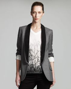 The tuxedo jacket gives an elegant glam to the tee, and the pushed-up sleeves keep it casual.