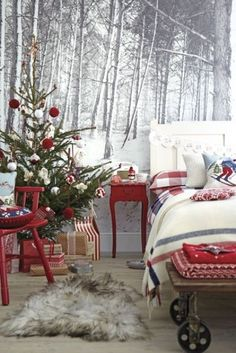 Top 40 Christmas Bedroom Decorating Ideas Christmas Celebrations Are you planning to decorate your bedroom with some wonderful decorations for this Christmas. Do not stop your decorations just in living room but decorate [. Christmas Bedroom, Noel Christmas, Merry Little Christmas, Country Christmas, All Things Christmas, Winter Christmas, Winter Bedroom, Cozy Bedroom, Black Christmas