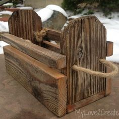 {DIY Reclaimed Fence Wood Crates!} -step-by-step tutorial!-