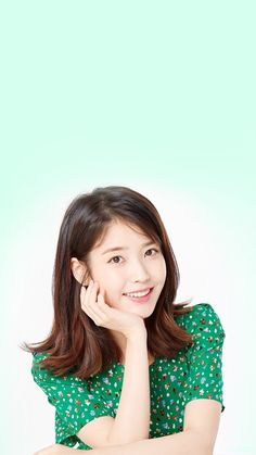 Lee Ji Eun with green style💚 Iu Short Hair, Short Hair Styles, Green Fashion, Kpop Fashion, Iu Moon Lovers, Lee Hyun Woo, Kpop Hair, Korean Beauty Girls, E Dawn