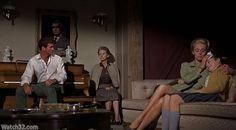 """Los pájaros"" (""The Birds"", 1963). Dir. Alfred Hitchcock. Stars: Rod Taylor, Tippi Hedren, Suzanne Pleshette."