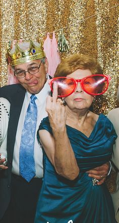 Grandma And Grandpa's Wedding Photo Booth Skills Are Simply Unparalleled