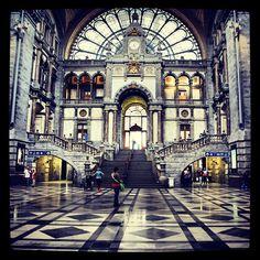 Station Antwerpen-Centraal in Antwerpen, Antwerpen. Самые красивые вокзалы мира.