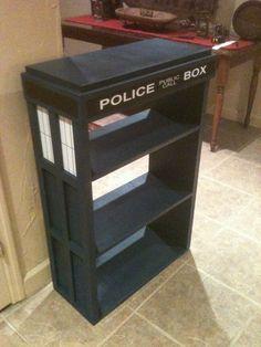 TARDIS bookshelf - definitely turning my bookcase into the tardis Tardis Bookshelf, Bookshelves, Die Tardis, Tardis Cake, Nerd Love, Dr Who, Geek Culture, Diy Furniture, Compact Furniture