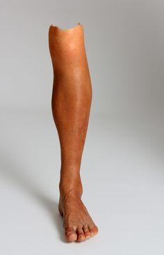 Sophie de Oliveira Barata: Leg cover, realistic limb