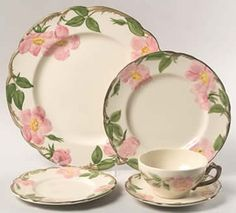 Franciscan Ware USA Desert Rose 5 Piece Table Setting Dinner Plate Salad Plate Bread and Butter plate and Cup and Saucer Desert Rose Dishes, Franciscan Ware, Vintage Dishes, Vintage Kitchenware, Vintage Plates, China Patterns, Dinner Plates, Pink And Green, Dinnerware