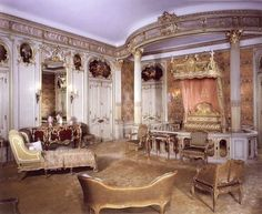 Mrs Vanderbilt's bedroom at Hyde Park, NY. I'm going to give this bedroom to my character, Emma Lindenmayer, in my second novel in the Gold Series, Threads of Gold. The design was based on Marie Antoinette's bedroom at Versailles, in France. Wow!