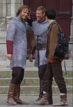 Colin Morgan (Walking Passed) Rupert Young (Talking To Tom Hopper) and Tom Hopper (Talking To Rupert Young) l Best Tv Shows, Movies And Tv Shows, Knight Squad, Tom Hopper, Merlin Colin Morgan, Merlin Cast, Bbc Tv Series, Chain Mail, My Heart Is Breaking