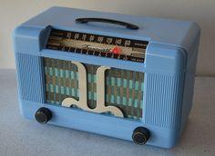 Restored Farnsworth ET-065 Vacuum Tube Radio ca. 1946. Manufactured in USA by Farnsworth Television & Radio Corp. of Fort Wayne, Indiana.