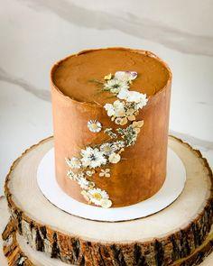 Cake Icing, Buttercream Cake, Beautiful Cakes, Amazing Cakes, Cake Cookies, Cupcake Cakes, Sophia Cake, Elegant Birthday Cakes, Fall Cakes