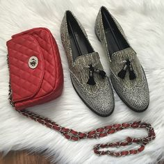 """Stuart Weitzman Guything Loafers Gorgeous black and white loafers. Very popular style. Roung toe with wingtip. Tassel vamp detail. Broguing throughout. Approx. .75"""" heel. Sold out color. Offers welcome through offer tab. No trades. 1419161651 Stuart Weitzman Shoes Flats & Loafers"""