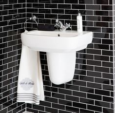 Contrast glossy black metro tiles with white grout to highlight the running brick pattern to perfection. Design Trends, Subway, Brick Patterns, Tiles, Glass Tile, Ambient Lighting, Metro Tiles, White Tiles
