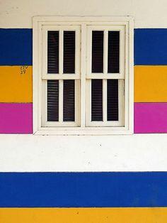 San Juan del Sur, Nicaragua / ultramarine blue, sunflower yellow, magenta pink