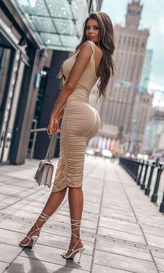 Tight Dresses, Sexy Dresses, Nice Dresses, Purple Fashion, Girl Fashion, Look Body, Looks Pinterest, Hot Dress, Fitness Women