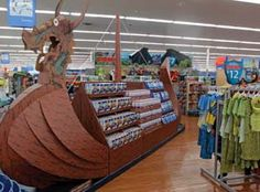 "Walmart USA: Viking Ships stir up excitement for ""How to Train Your Dragon. Walmart Usa, Pop Display, Display Stands, Cool Retail, Dragon Movies, Supermarket Design, Viking Ship, How To Train Your Dragon, Pos"
