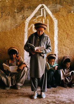 Bamiyan Province, Afghanistan | School | Steve McCurry  #world_cultures