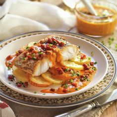 Fish Dishes, Seafood Dishes, Fish And Seafood, Fish Stew, Fish Recipes, Food Photography, Curry, Food And Drink, Appetizers