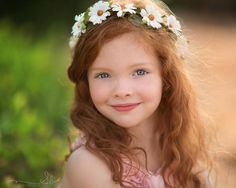 The Sandra Daisy Flower Halo - Blumen Red Hair Little Girl, Redhead Baby, Ginger Kids, Different Flowers, Photographing Kids, Child Models, Beautiful Children, Children Photography, Cute Kids