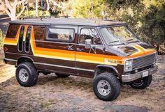 Im just sitting here hoping these come back in style. 4x4 Van For Sale, Ambulance, Subaru, Chevrolet Van, 4x4 Camper Van, Gmc Vans, Dodge Van, Old School Vans, Pontiac