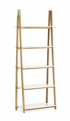De One Step Up kast is een van de prachtige ontwerpen van Normann Copenhagen. De combinatie van metaal met hout en de eenvoudige vormen maken dit een krachtige, maar neutrale look. Ook mooi om foto's of servies in te etaleren.