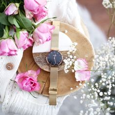 Minimalistyczny zegarek polskiej marki Miugo #watch #goldwatch #flatlay #flatlayphotography Wood Watch, My Photos, Blog, Watches, Accessories, Wooden Clock, Wristwatches, Blogging, Clocks