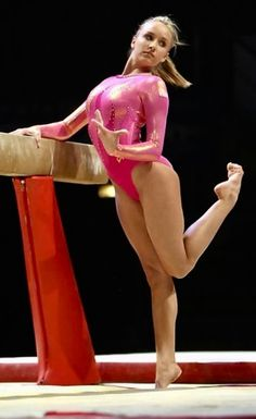 Nastia Liukin in her gorgeous bare feet Gymnastics Posters, Gymnastics Pictures, Sport Gymnastics, Olympic Gymnastics, Gymnastics Leotards, Olympic Games, Amazing Gymnastics, Artistic Gymnastics, Nastia Liukin
