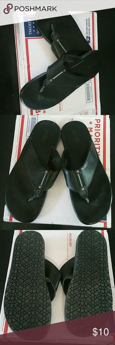 Men's flipflop EUC men's Madden black flipflop. Madden Shoes Sandals & Flip-Flops