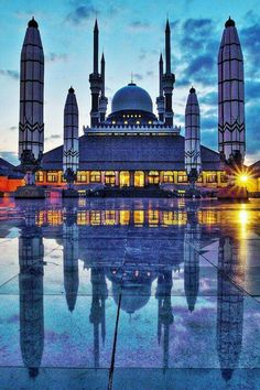 Grand Mosque of Semarang in Central Java, Indonesia Mosque Architecture, Art And Architecture, Ancient Architecture, Islamic World, Islamic Art, Beautiful Architecture, Beautiful Buildings, Places Around The World, Around The Worlds