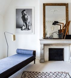 minimal and chic, blue sette