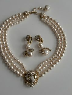 Set Vintage MIRIAM HASKELL Necklace and Earrings triple strand baroque Glass Pearls..