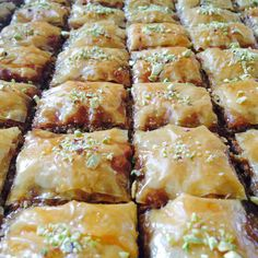 Baklava Dessert, Baked Beetroot, Lebanese Desserts, Danishes, Sweet Bakery, Spanakopita, Sweet Bread, Food Hacks, Christmas Cookies