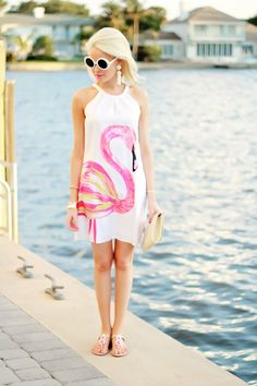 This dress takes my love of flamingos to a whole new level. I mean, does it get any cuter? Flamingo Dress, Flamingo Decor, Rajputi Dress, Romantic Girl, Island Girl, Chic Outfits, Spring Summer Fashion, Girl Fashion, My Style