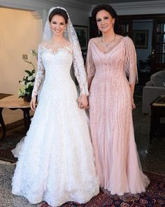 Vestido para mãe da noiva: 150 fotos para você escolher o modelo ideal Mother Of The Bride Dresses Long, Mother Of Bride Outfits, Mothers Dresses, Long Mothers Dress, Bride Groom Dress, Bride Gowns, Fall Wedding Dresses, Wedding Gowns, Spring Wedding