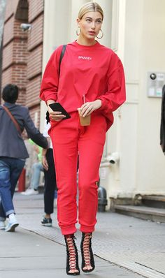 Red + matching jogger set// Hailey Baldwin. 2020AVE INSPO