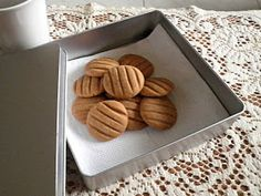 Everybody loves coffee flavored cookies. This simple Coffee Biscuits is made with instant coffee. These are not so sweet and . Coffee Biscuits, Coffee Cookies, Boiled Fruit Cake, Melitta Coffee Maker, Easy Biscuit Recipe, Chocolate Covered Coffee Beans, Chocolate Coffee, Coffee Health Benefits, Coffee Recipes